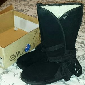 Black Emu Boots. Suede and Shearling. Size 9